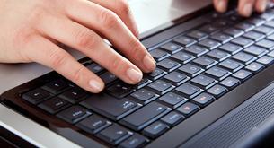 El 70% de los españoles buscan empleo por Internet
