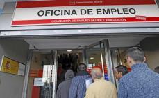 El paro baja en España de los 4.000.000 de personas